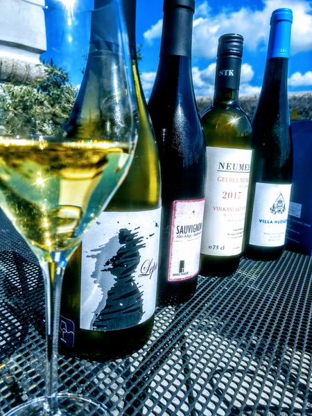 Vini bianchi da vitigni aromatici